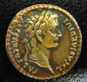 Coin: Augustus, son of the deified [Julius] Caesar