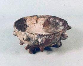 Alligator Ware Tripod Bowl